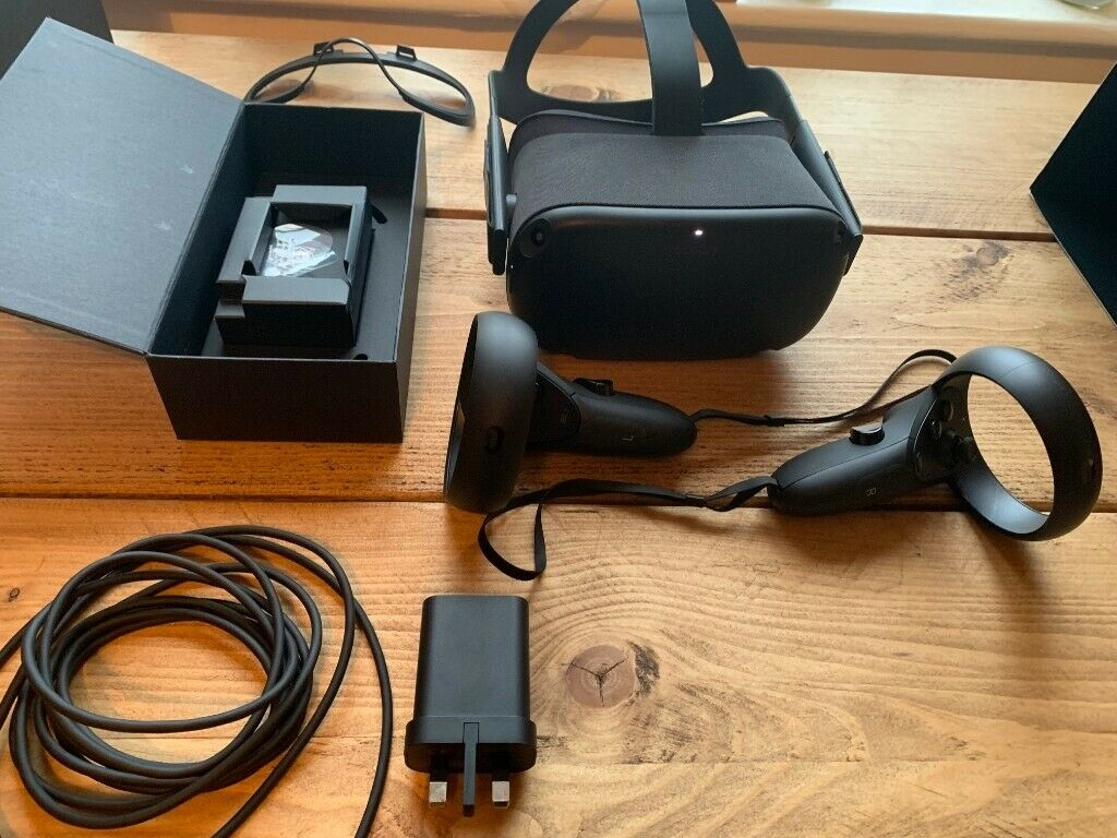 64gb Oculus Quest - very good condition - original packaging - with receipt  | in Cheltenham, Gloucestershire | Gumtree