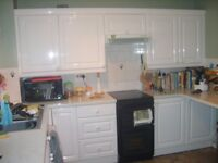 Complete white gloss kitchen in good condition