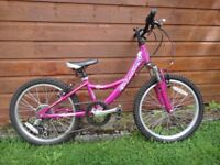 Barracuda Jive pink bike, suit age 7 to 9 years, lightweight aluminium frame, 20 inch wheels 6 gears