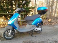 Piaggio ZIP 49cc moped 2001 reg extremely low miles , 2 stroke with new M.O.T.