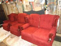 THREE PIECE SUITE TWO SEATER SETTEE AND TWO SINGLE ARM CHAIRS IN GREAT CONDITION. 3 YEARS OLD ONLY