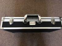 Kinsman Ultima pedal board / case, lockable, 22 x 13.5 x 4