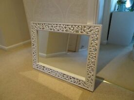 White rectangular mirror