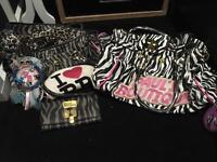 GENUINE! 2x Paul's Boutique bags & purse