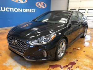 2019 Hyundai Sonata ESSENTIAL SPORT/ SUNROOOF/ APPLE CARPLAY/...