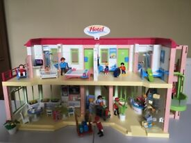 Playmobil Summer Hotel - pristine condition
