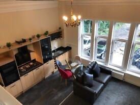 4 bedroom luxury Flat Near university of west of Scotland