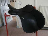 "16.5"" Wintec Cair Saddle, black, medium fit. Excellent condition."