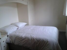 Large bedroom to rent in a very large house close to the town centre of Ilkeston
