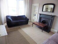2 bedroom fully furnished 3rd floor flat to rent in Bruntsfield, Edinburgh