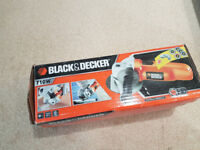 Small Angle Grinder Corded Black + Decker 240V 750W 115mm w/ 5 Discs and Guard