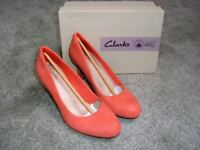CLARKS LADIES STILETTO HEELS - 8 CMS HIGH 3 INCHES HIGH) SIZE 5 (E) FOR EXTRA COMFORT