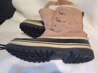 Sorrel Boots Size 10. Never seen snow,mud or even wet. Worn once,as new. Cost£140 will sell £50