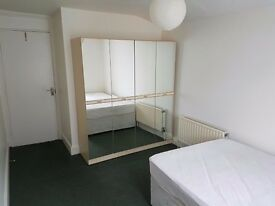 single room to let in EAST GREENWICH / CHARLTON, female tenant preferred