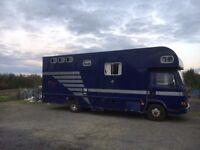 7.5 Tonne Leyland DAF Horse lorry (3 horse, Blue) - Good Condition