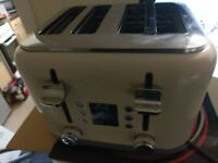 Kenwood kMix 4 Slice Toaster in Cream. Hardly used (Currently £59 new online)
