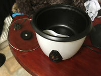 Bosco Rice Cooker - Almost new - Hardly Used