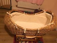 Moses basket rocking