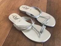 Ladies brand new New Look sandals gold - Sz 6