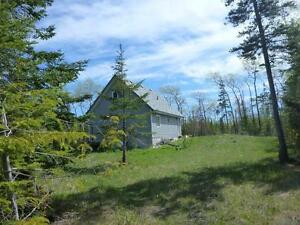 Tobermory - New House/Cottage on 25 cedar treed acres