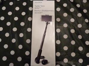 Insignia Selfie Stick (NS-SSTK2B-C) - Black