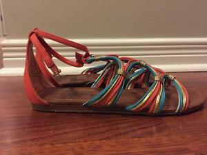 """The office"" Summer sandals - size UK 40"