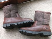 MENS LEATHER UGG BOOTS.