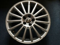 VW Golf MK4 R32 Alloy Wheel x1