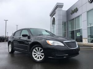 2013 Chrysler 200 LX 1 OWNER, LOCAL TRADE, BLUETOOTH, $43* WEEKL