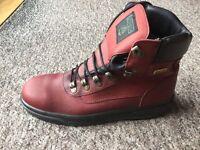 Men's Gore-Tex working boots. Steel toe cap. Size 9. Burgundy. Never worn.