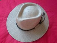 Brazilian jute hat with a leather decoration
