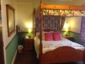 Four poster bedroom complete