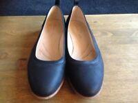 Shoes- Size 6