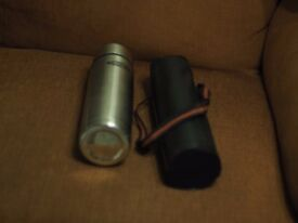 two thermos 1L flasks with case