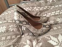 Women's high heel shoes (stilettos) size 6