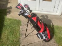 Wilson Pro Staff Junior 11-14 clubs and bag