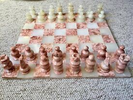 """Lovely 14"""" x 14"""" coral and cream coloured marble chess set in excellent condition"""