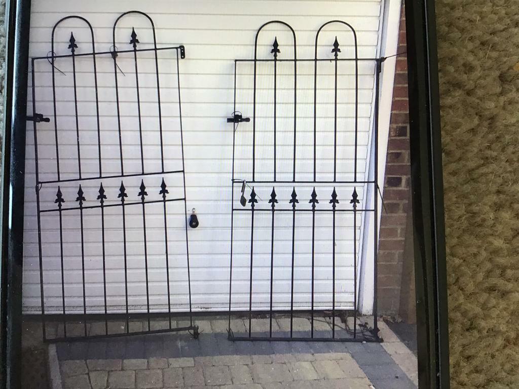 Black metal side gate/SOLD   in Rayleigh, Essex   Gumtree