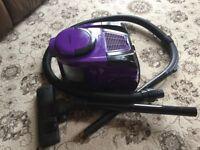 1600W Vacuum cleaner VGC in full working order, bagless design