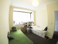 MOVE IN TODAY! ROMSHARE ROOM (GIRL)! AVAILABLE NOW!