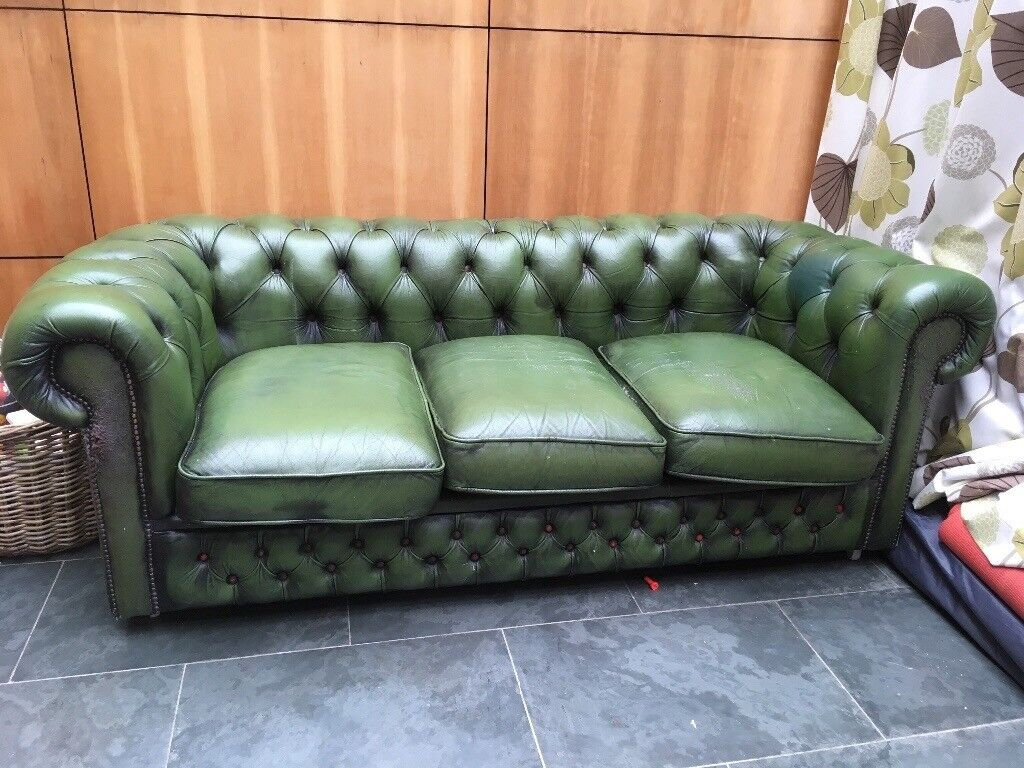 green chesterfield sofa in southside glasgow gumtree. Black Bedroom Furniture Sets. Home Design Ideas