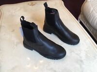 HORKA-JODPHUR/STABLE BOOTS PROTECTO NEVER USED SIZE 41 BLACK WITH BOX