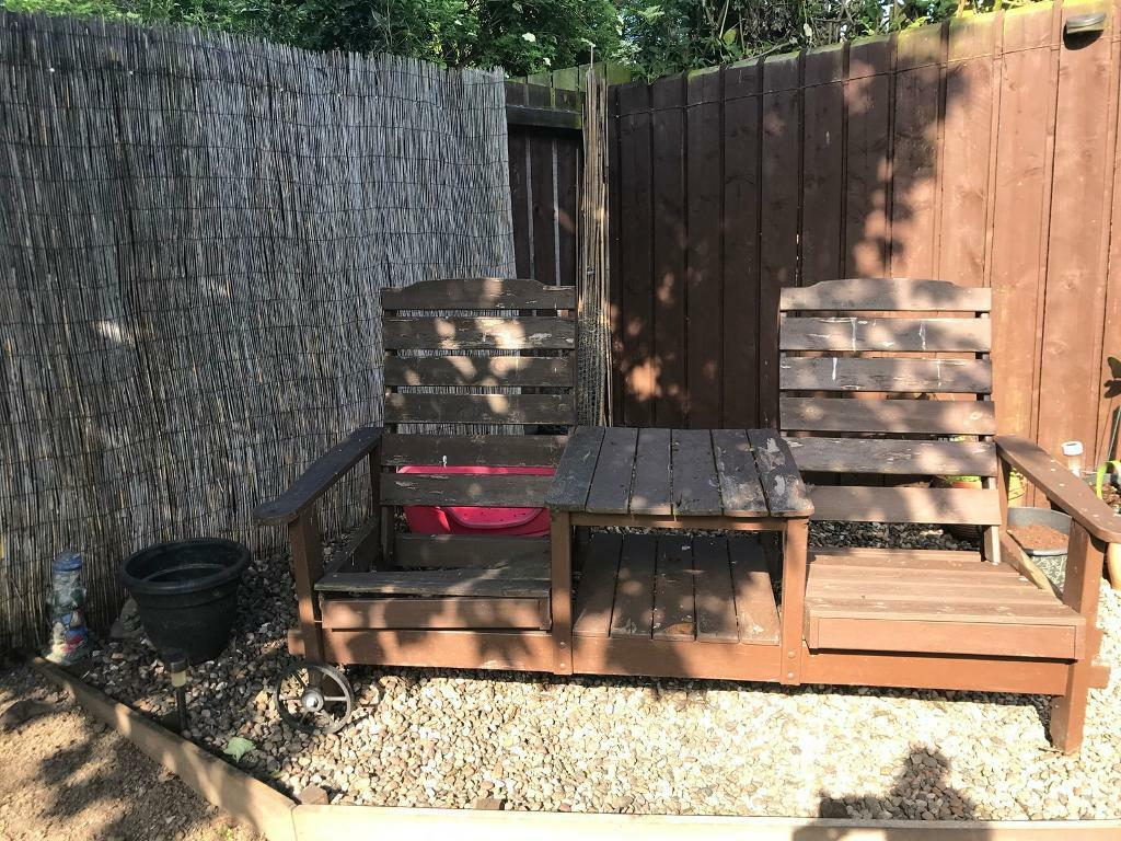 Garden chairs and table   in Hull, East Yorkshire   Gumtree