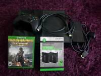 Xbox one console + 1 controller + all wires & 1 game