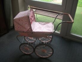 Dolls Pram / Baby Annabell Vintage Style Doll's Carriage