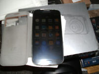 SAMSUNG GALAXY S4 16gb gt-i9505 4g UNLOCKED PHONE & WITH LOTS EXTRAS