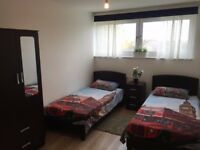 Amazing Large Full Twin Room in Southfields (SW185PX) £105pw per person