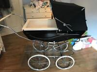 Silver cross couch built Kensington pram