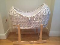 Isabella Alicia Izzy-Pod Large White Wicker Moses Basket, Stand Mattress & Sheets