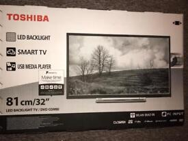 Toshiba 32-Inch HD Ready WLAN DSmart TV with Freeview Play - Black (2017 Model) NEW